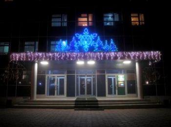 Украшение фасада административного здания