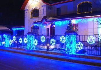 Новогоднее декоративное световое оформление