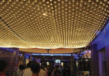 Светодиодная сетка на потолке