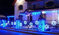 Как украсить загородный дом, дачу на Новый год? Советы и примеры от ТД Мегапром.