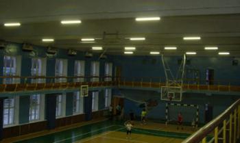 Светодиодное освещение спортзала (потолочный