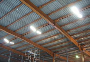 Промышленное светодиодное освещение крупного
