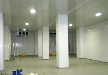 Промышленное светодиодное освещение холодильной