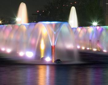 Подсветка фонтана-водопада с использованием