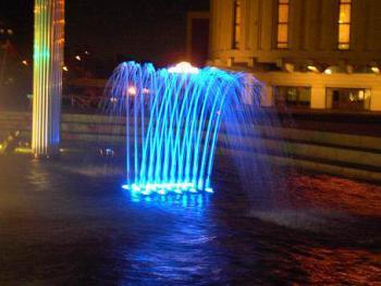 Подсветка фонтана с использованием
