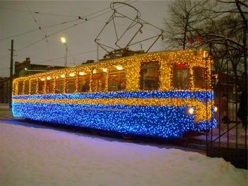 Новогоднее украшение общественного транспорта
